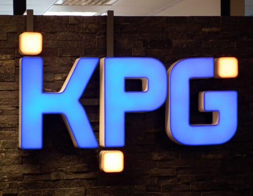 Litery przestrzenne z PCW i plexi 3